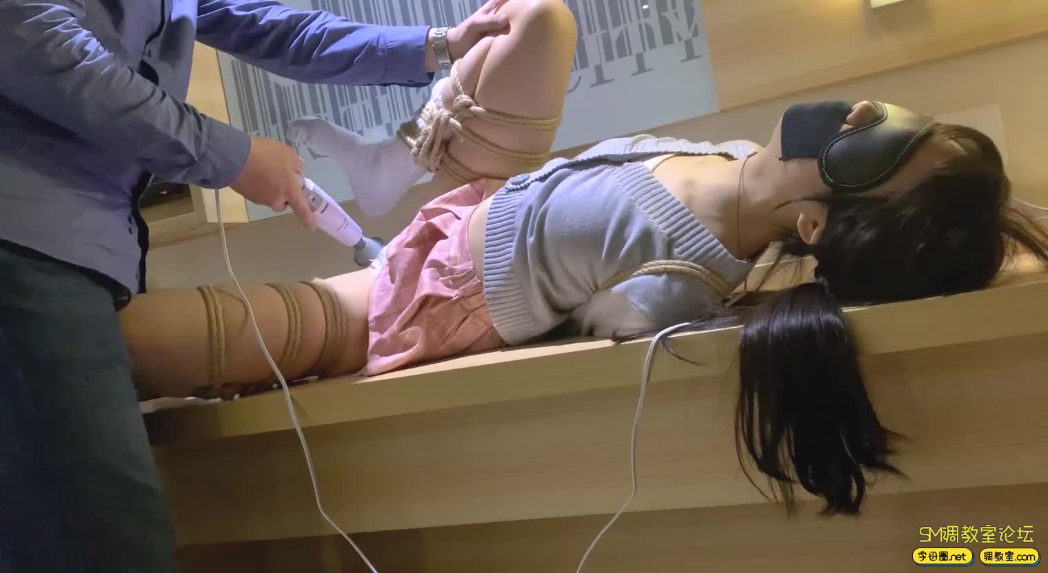 HUI 新收一枚00后萝莉M叫【潼潼】,超狠SP,强制GC-视频截图8