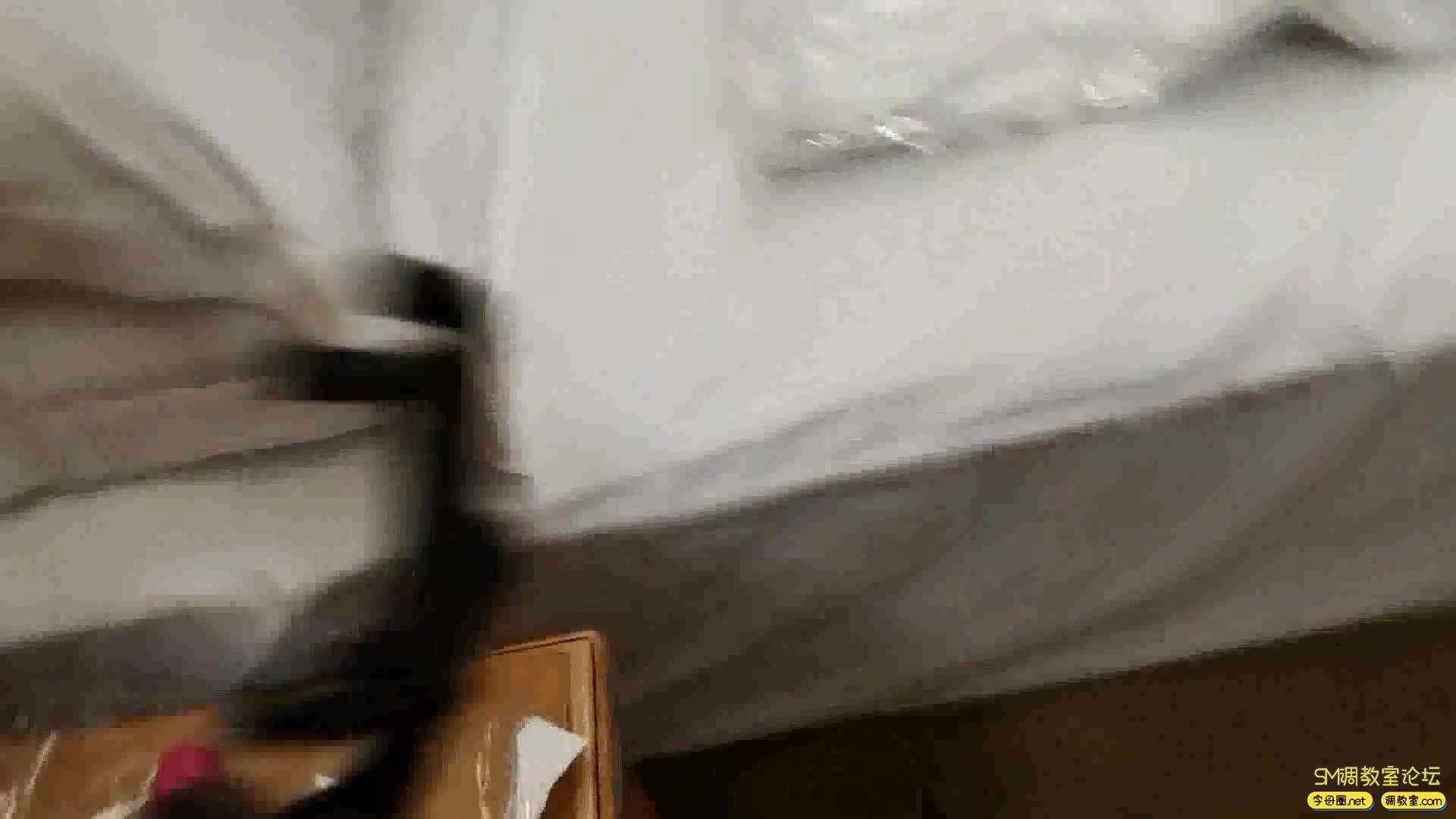 网友原创 制服真空袋窒息-视频截图3