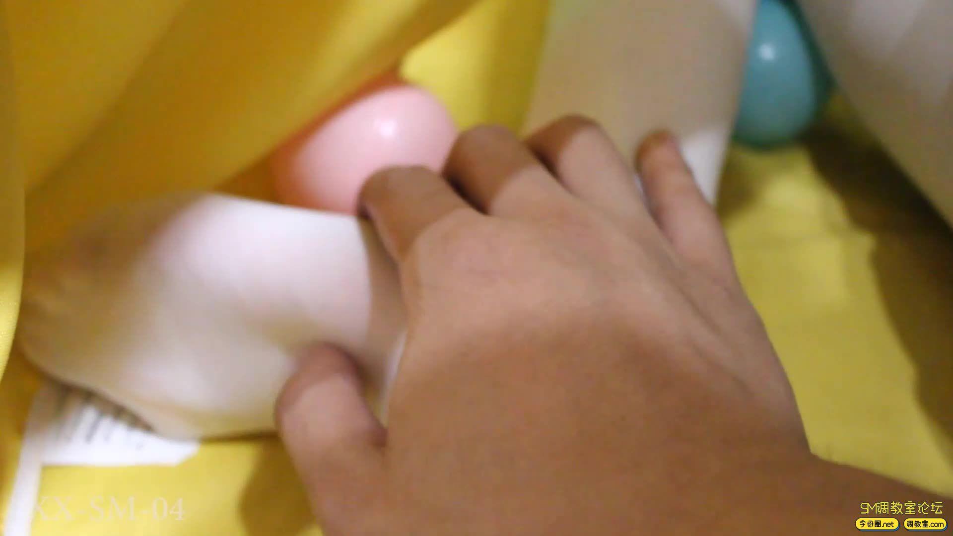 【FXX】双马尾小萝莉 白丝 单腿吊缚-视频截图1