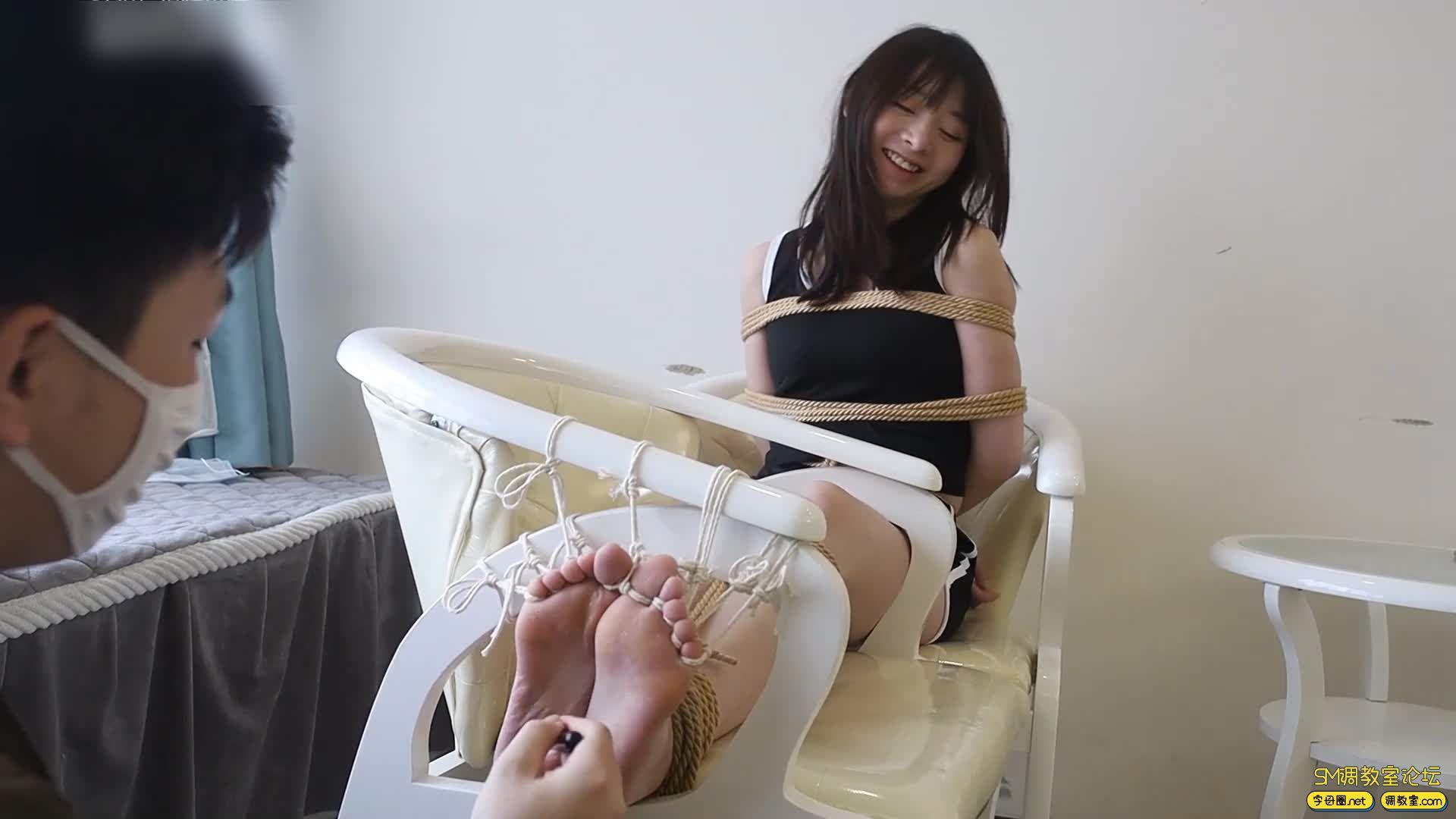心悦艺束_筱筱的老虎凳TK,十个脚趾都紧紧被绑缚-视频截图5
