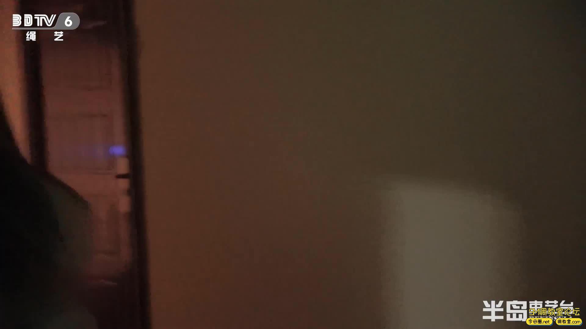 半岛束艺台_葡萄被坑进电梯独自下楼,一路狂跳回家-视频截图5