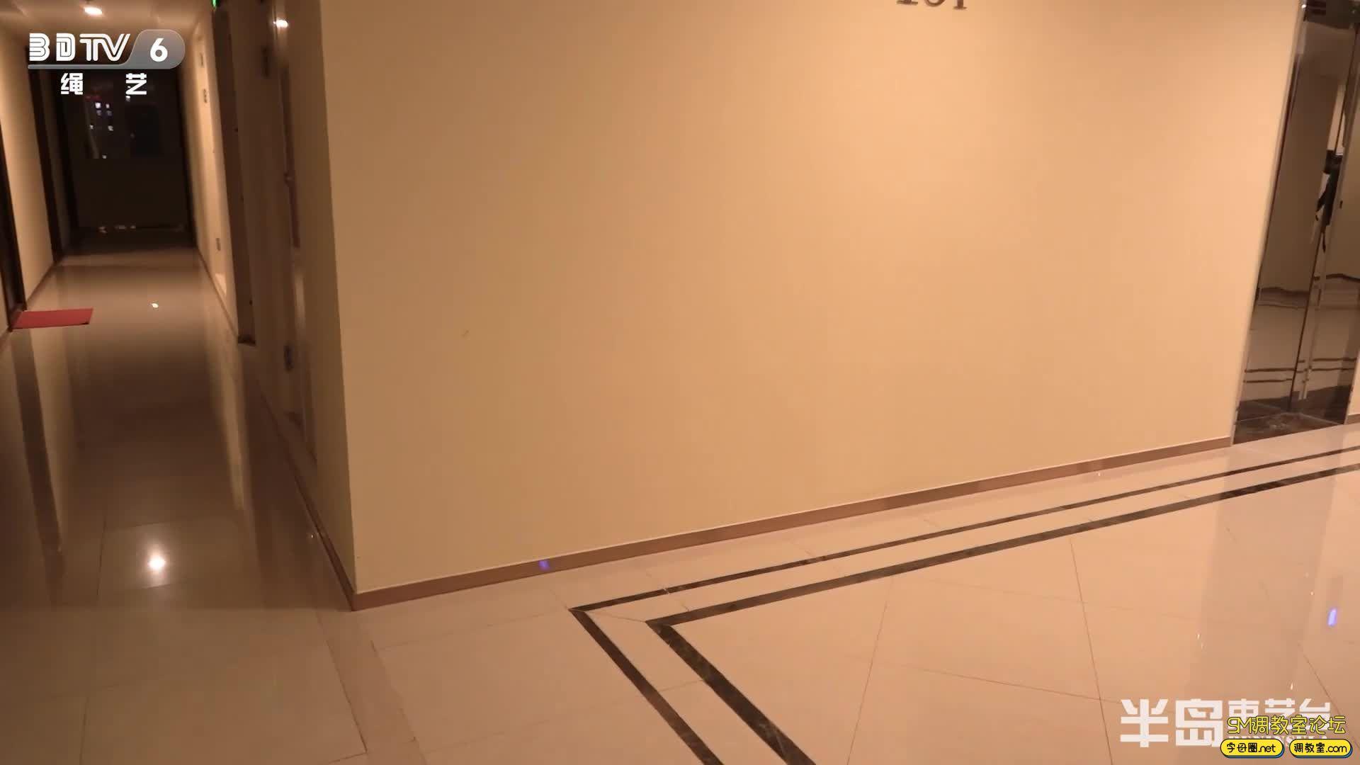 半岛束艺台_葡萄被坑进电梯独自下楼,一路狂跳回家-视频截图6