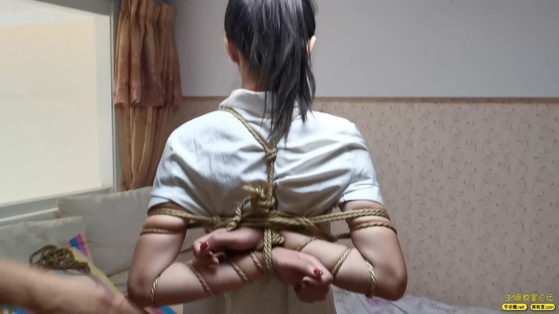 【JS】艾诺-白领装五花驷马 虐足 超大口塞式口罩 堵嘴-视频截图1
