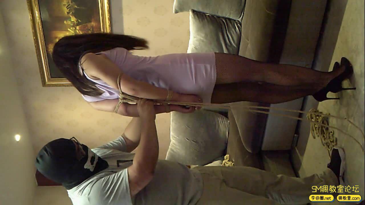 新模特小希初次尝试捆绑和吊缚(1)-视频截图2