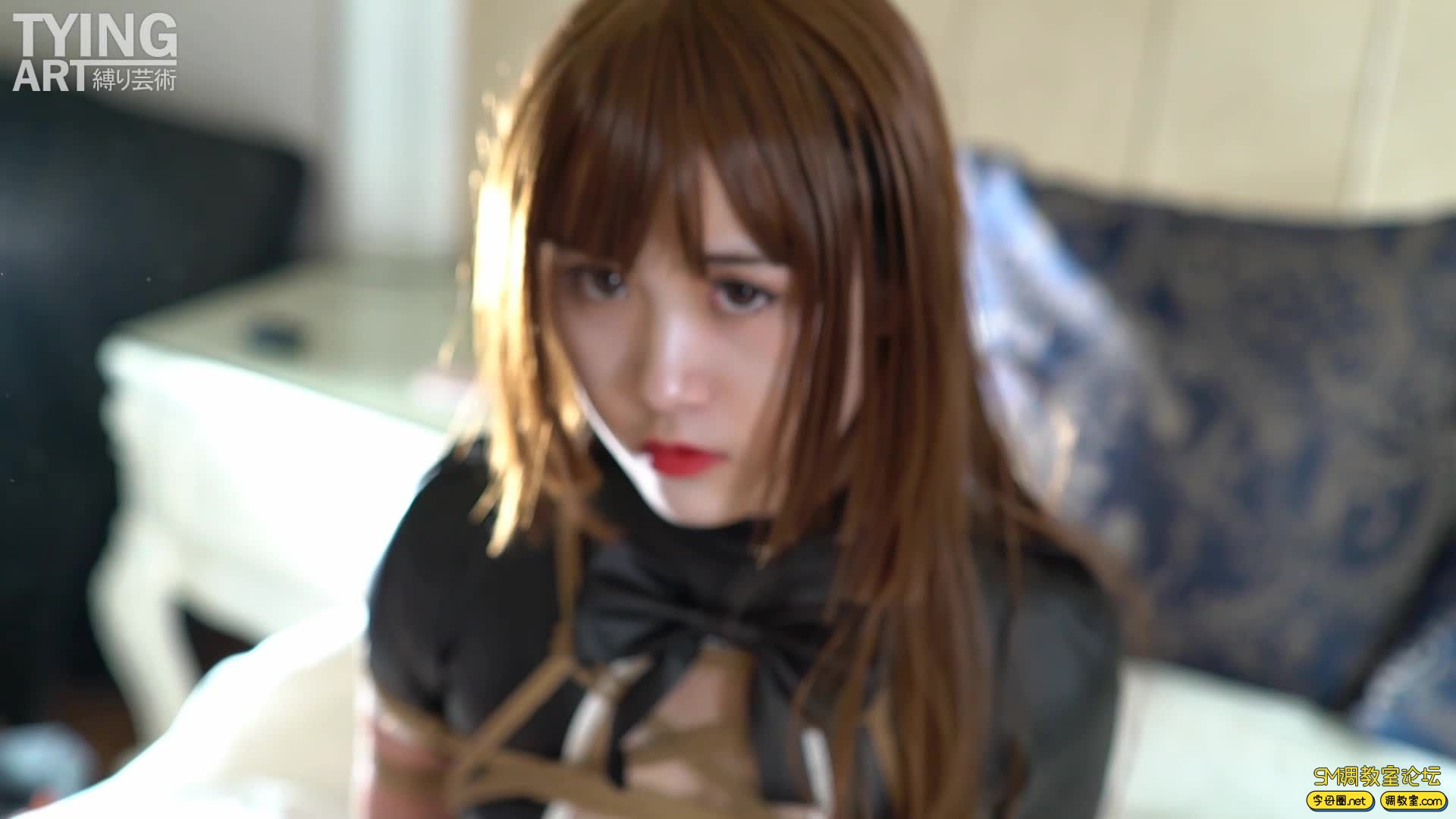 Tyingart&Woods【禁忌&木子年度合作篇-可爱的cos女仆,皮衣比基尼,各种紧缚堵嘴-视频截图7