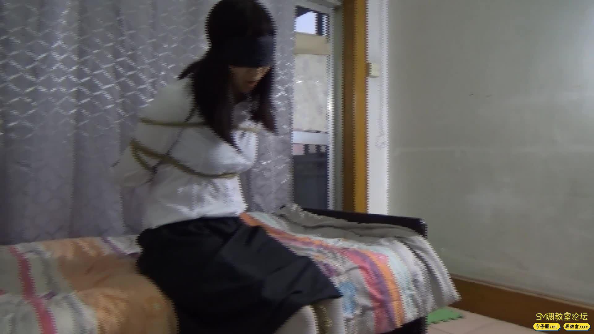 网友原创_兼职学生的业余捆绑,另一个妹子-视频截图2