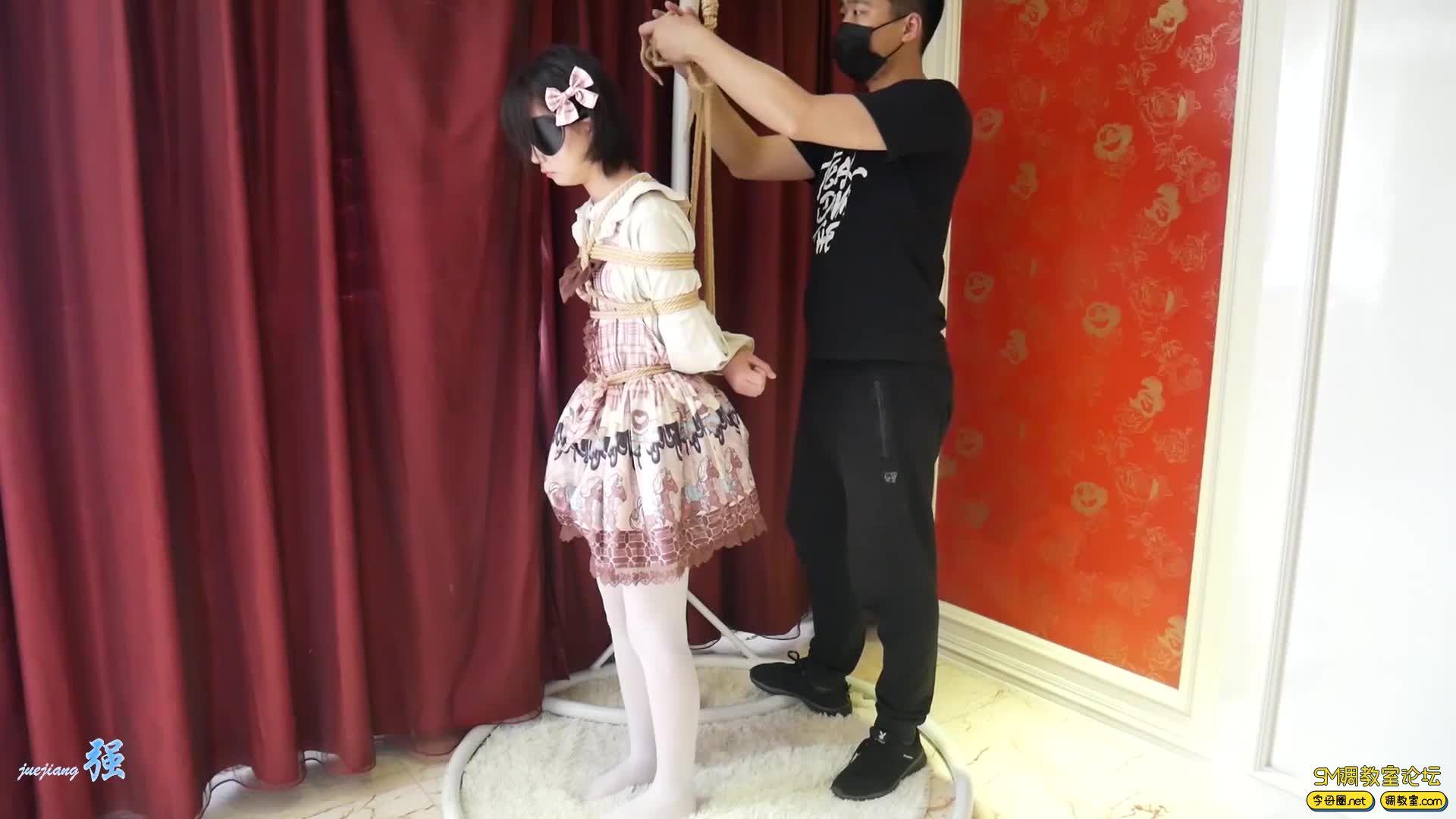 网友原创_00后lo娘小冰首次约绳 上-视频截图6