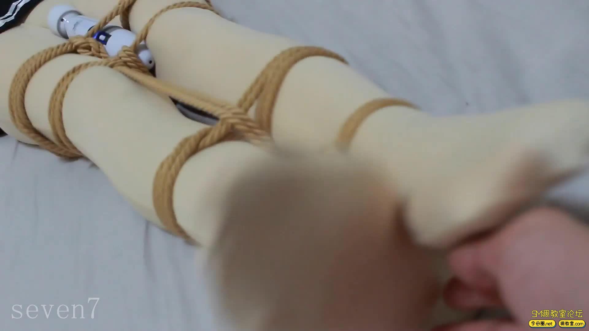 【FXX-01】新收一枚腿模小姐姐 凡小晓 白丝捆绑-视频截图3
