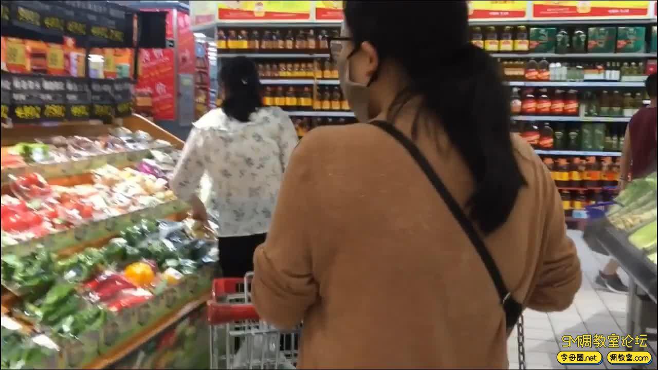 90后夫妻实录_我家妞妞-外出 商场 视觉饕餮-视频截图2