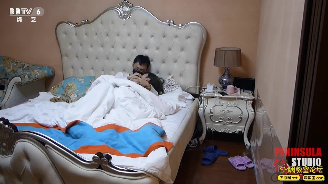 半岛束艺台_老公与保姆玩捆绑,不料被媳妇发现-视频截图3