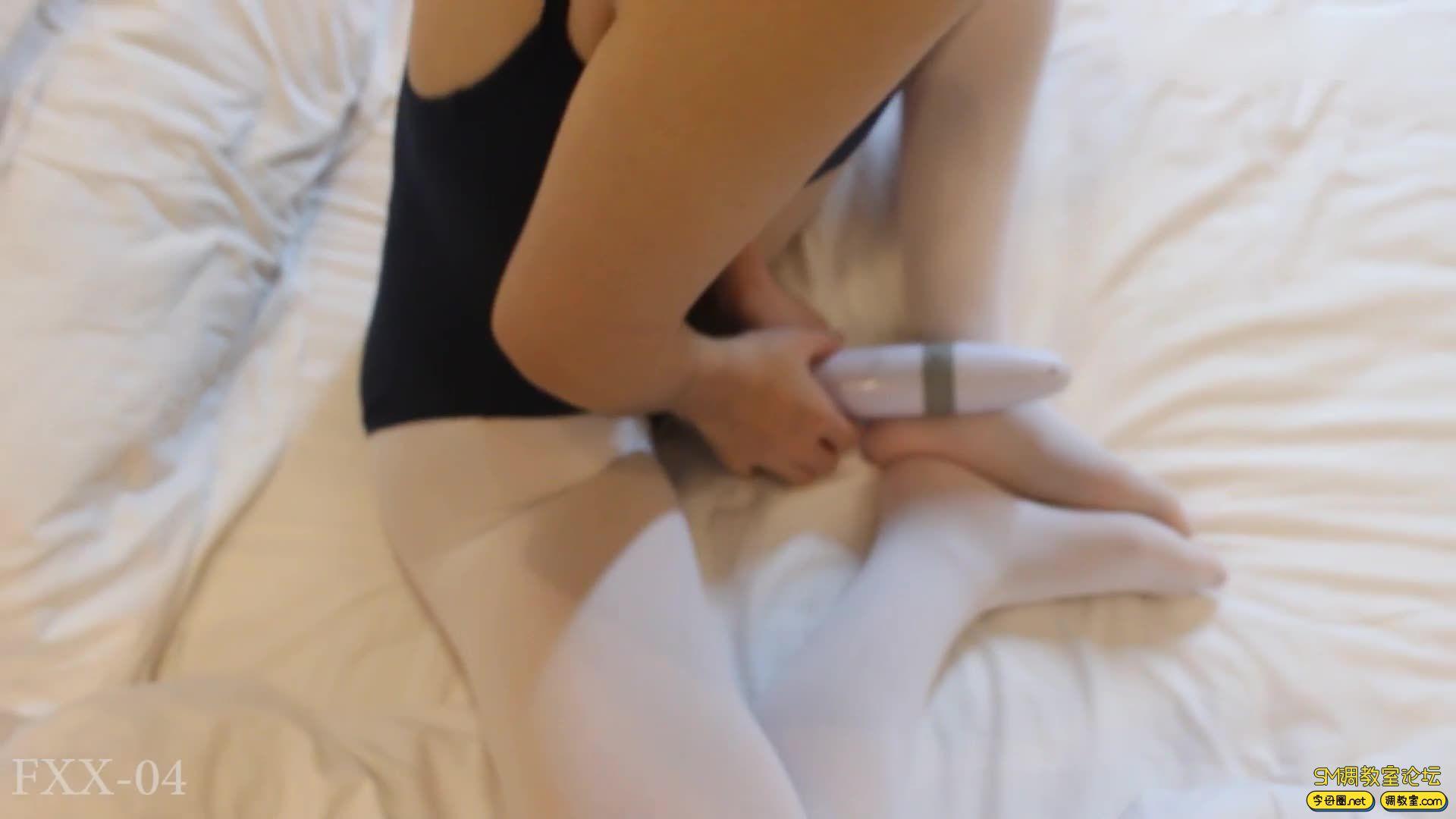 【FXX-04】_体操服配白丝 没有感情的皮鞭-视频截图1