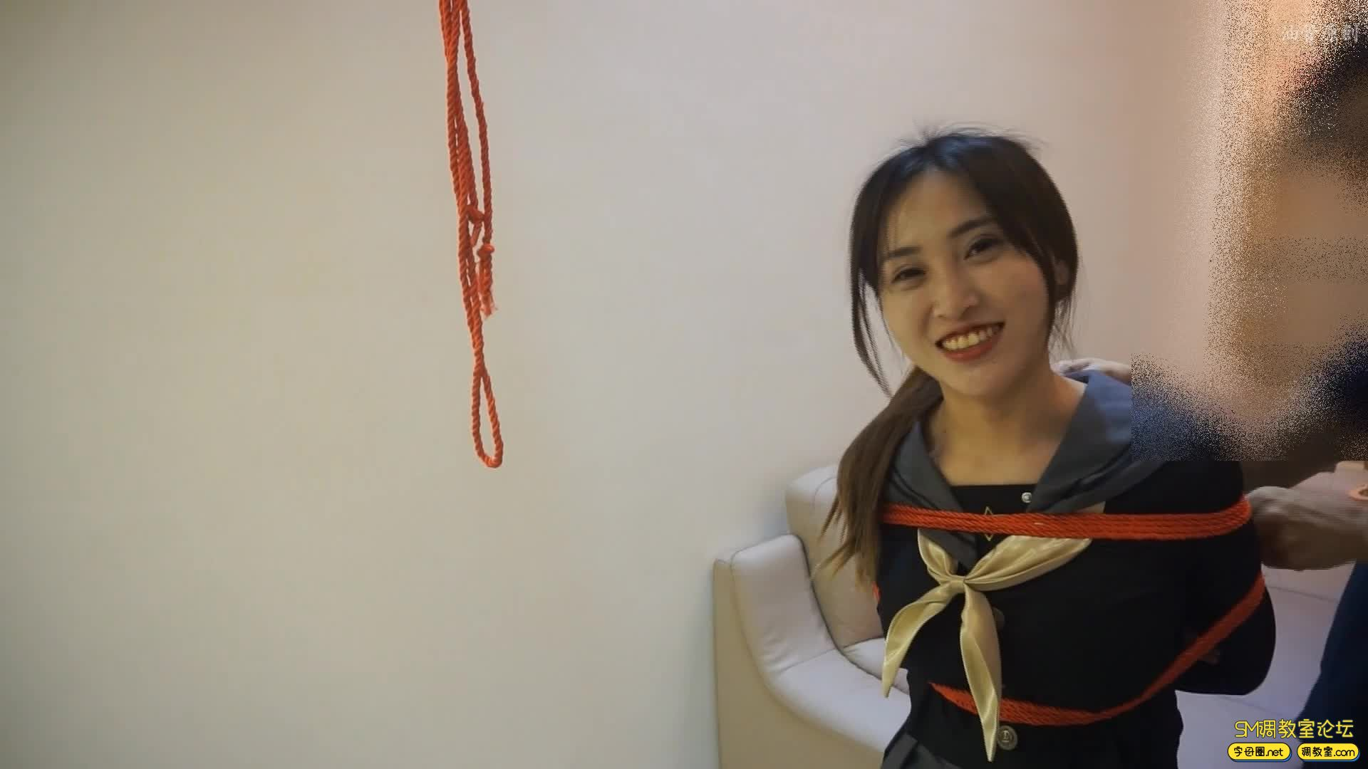 油管原创_好久没见的模特小怡  红绳紧缚-视频截图1