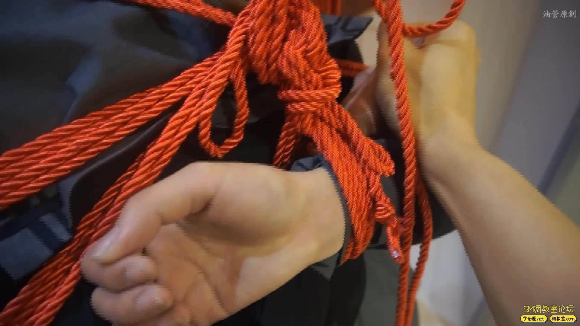 油管原创_好久没见的模特小怡  红绳紧缚-视频截图3
