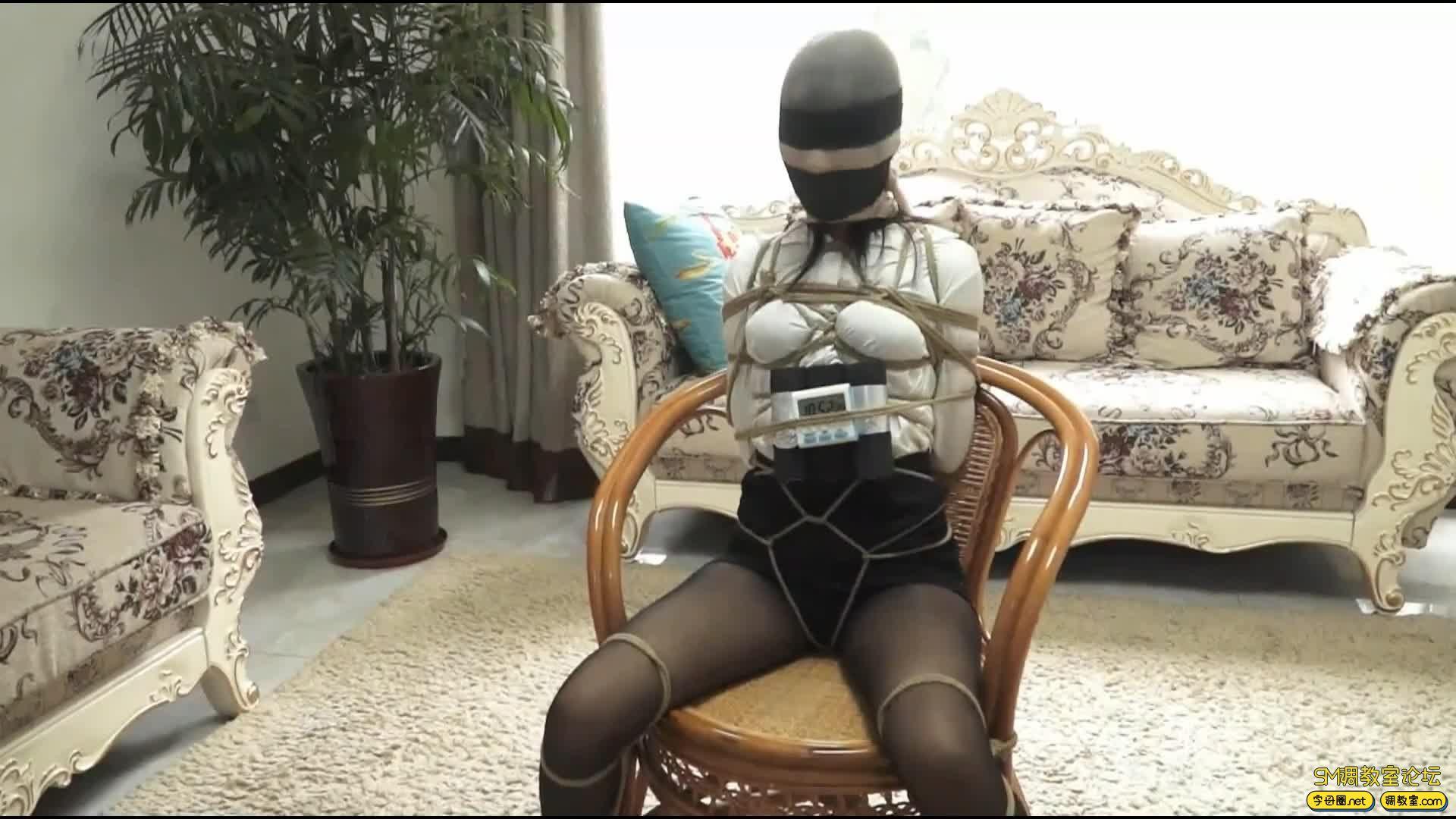 逍遥定制_king-《did女子图集01》危机的黑丝女律师 夏炎主演-视频截图5